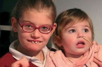"""We are Special Sisters"" – Meet Isabelle and Siena"